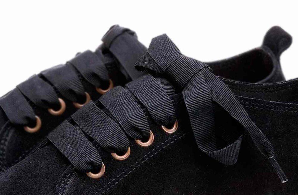 alpargatas con plataforma y cordones de mujer Olé Cool de serraje negro