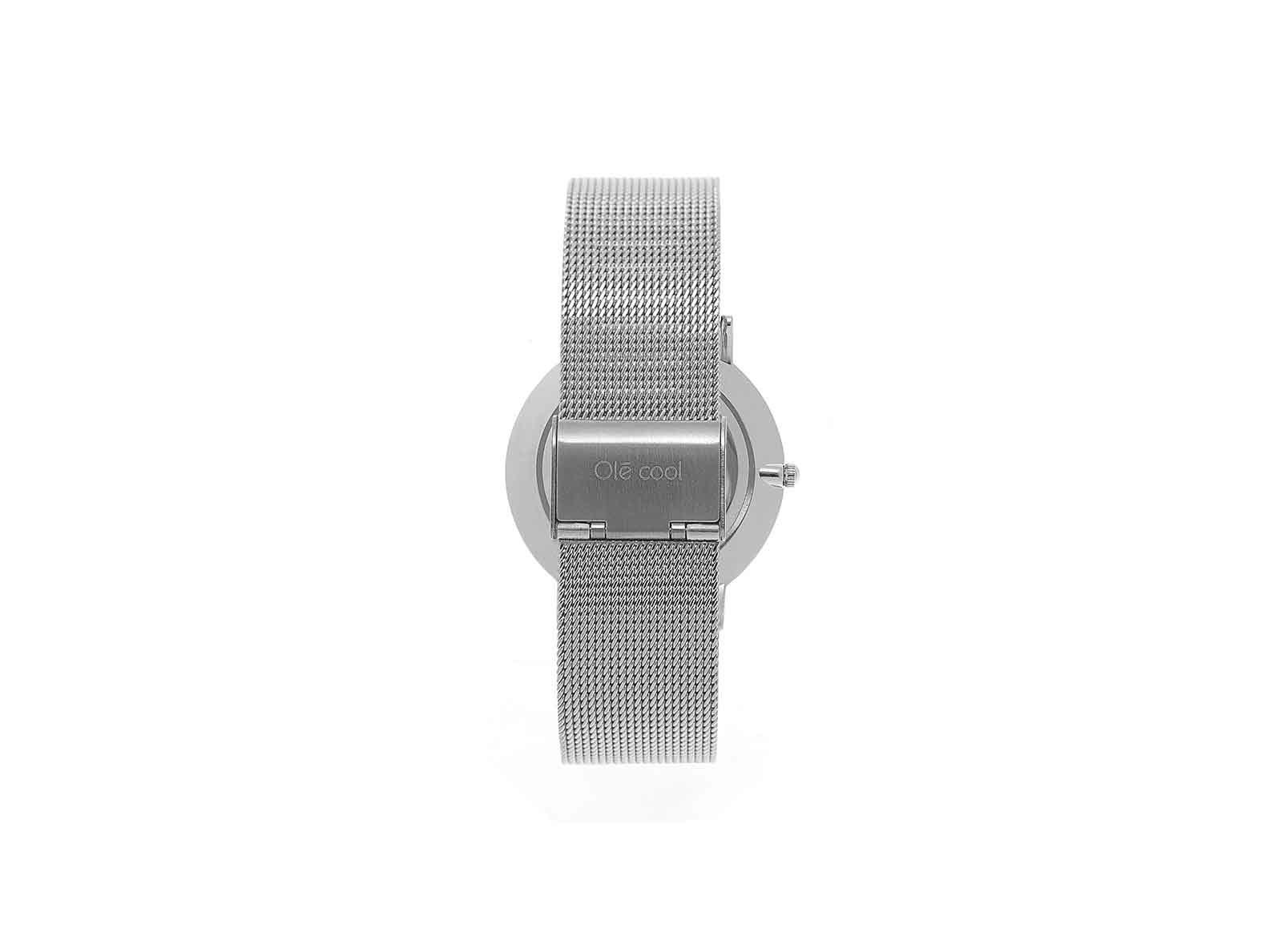 reloj en color plata para mujer de la marca olecool