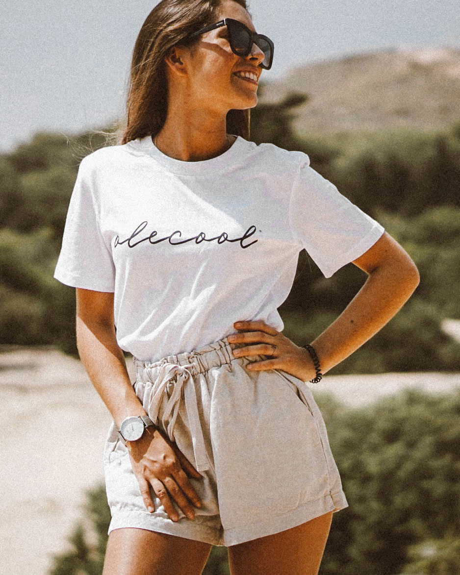 Camiseta Olé Cool black basic para mujer